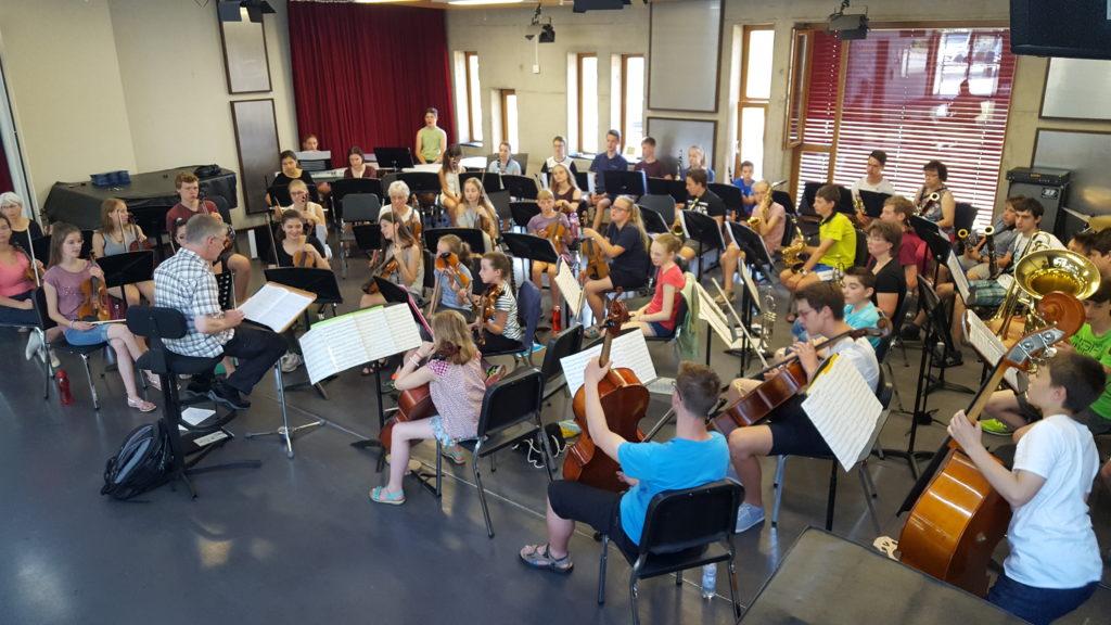 Das gemeinsame Sinfonieorchester der Musikschulen Vrchlabi & Baunatal